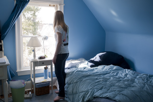 A Girl and Her Room: Portraits of Teenage Girls' Inner Worlds ...