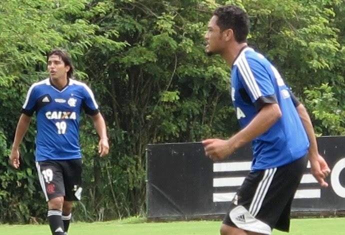 hernane e Marcelo Moreno treino Flamengo (Foto: Richard Souza)