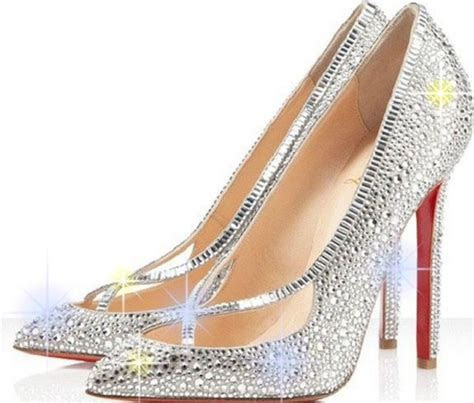 10 Must Have Shoes For Every Bride to be?s Wardrobe