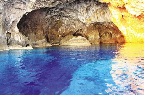 Perierga.gr - 8 πανέμορφες θαλασσοσπηλιές της Ελλάδας