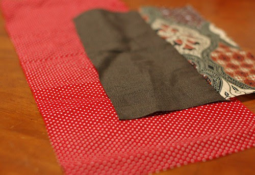 How to make a button pouch with two pockets 3
