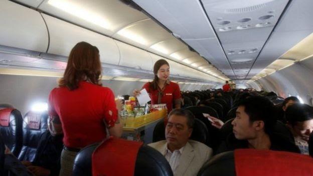 Các tiếp viên trên chuyến bay của VietJet