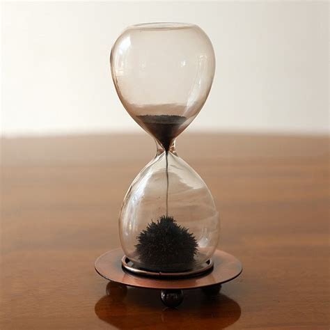 Magnetic Sand Timer   Campus Gifts