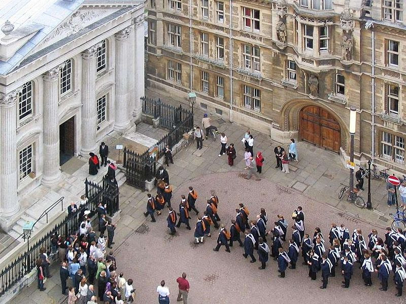 File:Cambridge University graduation enter Senate House.jpg