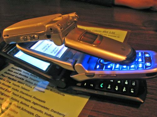 Menage a Mobilophone