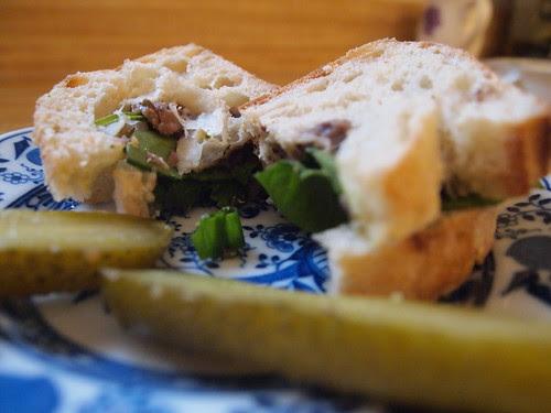 Black Bean spread sandwich (02)