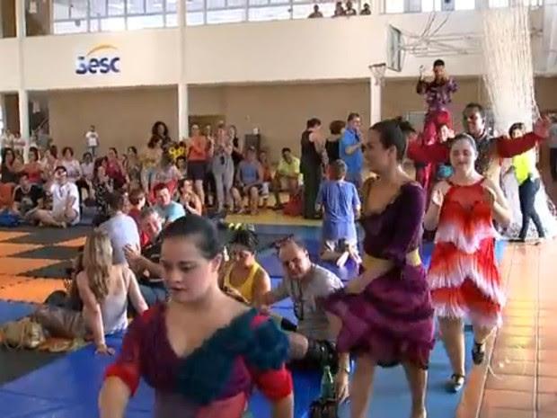 Evento reuniu neste domingo famílias inteiras no Sesc de Sorocaba (Foto: Reprodução/TV TEM)