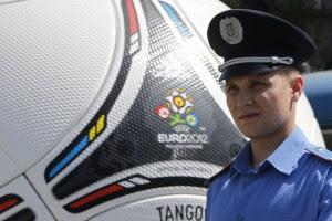 UEFA признал, что может перенести Евро-2012 из Украины