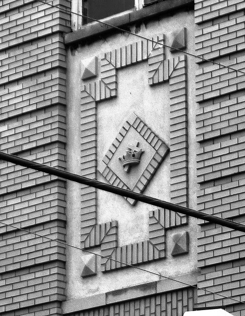 P1120062-2012-09-18-O4W- Prince-Hall-Masons-Lodge-yellow-brick-detail-Exterior-detail-motif-bw
