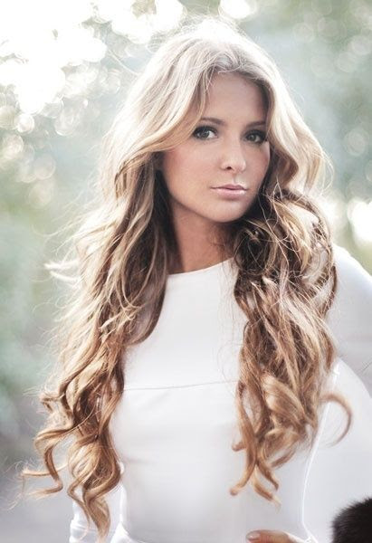 13 Gorgeous Long Curly Hairstyles - Pretty Designs