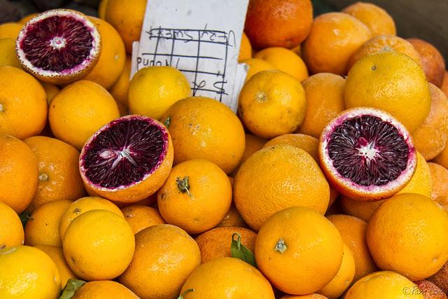 Farmer's market oranges