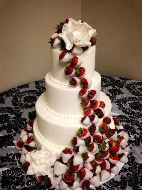 Wedding cake with white chocolate dipped strawberries