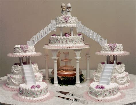 wedding cake. i want the bridges & the fountain not as
