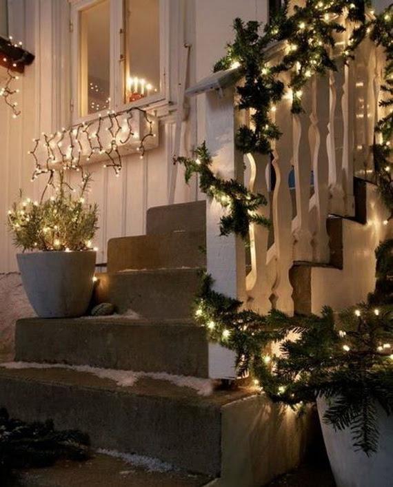 50 Fresh Festive Christmas Entryway Decorating Ideas   Family Holiday