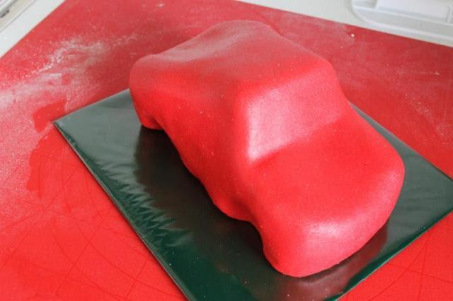3D торты. Автомобили из мастики (20) (640x426, 28Kb)