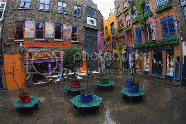 seven dials photo: Neal's Yard, Seven Dials, Covent Garden 12-2.jpg
