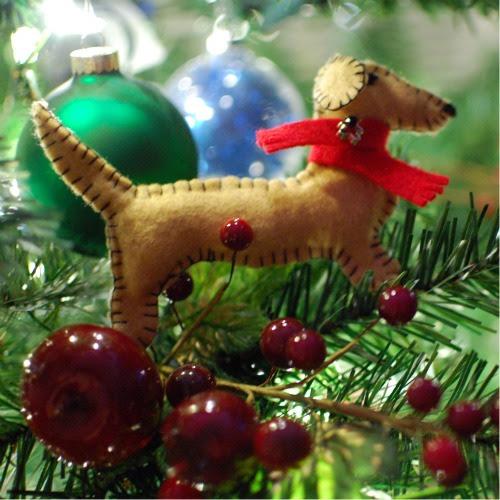 make a homemade felt dog christmas ornament