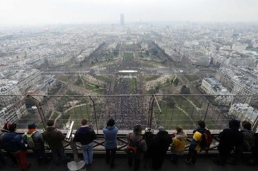 Paris, 13 de janeiro de 2013: um mar de gente diz não ao casamento gay.