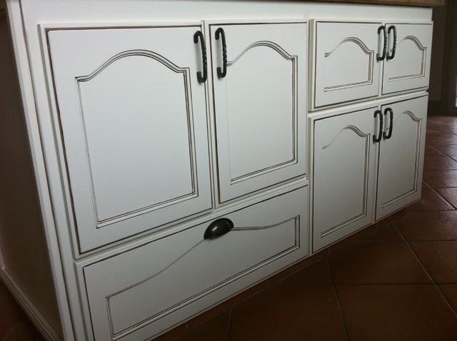 Mocha Glazed Kitchen cabinets