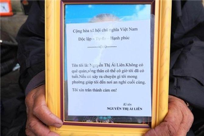 Bà lão 40 năm ăn, ngủ vỉa hè Hà Nội và mơ ước chết có người chôn - Ảnh 9