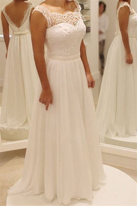 Best 20  Beach Wedding Dresses ideas on Pinterest