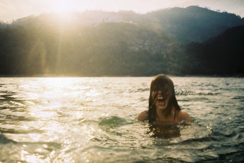 thesummernights:such a happy photohttp://somedaywhenpeaceisfound.tumblr.com/