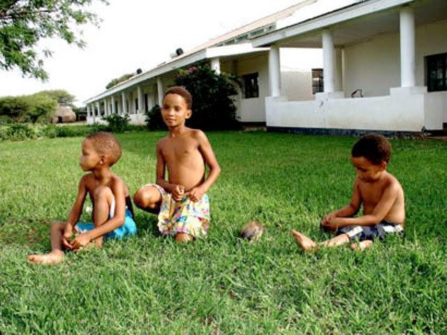 W GF7ClGi12An7e3IddwDKPXdbkQKEvEnJkREsnNpxD3pa1 Bkf50STcRj1UwIrUZp7IjNA71MvZUYa mldemAyGz1S5=s0 d San Bushmen People, The World Most Ancient Race People In Africa