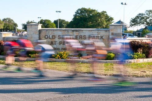 Tx Road Rash marathon 22Apr2012 b_1806 by 2HPix.com - Henry Huey