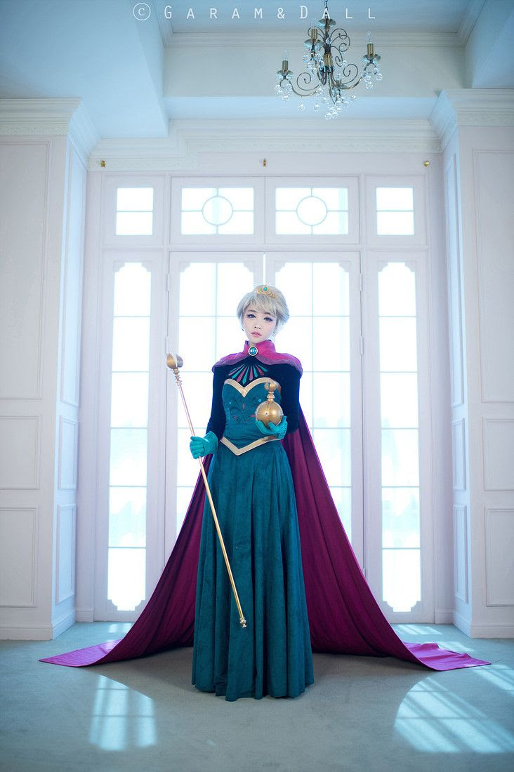 Elsa Cosplay by Korean Cosplayer Tomia