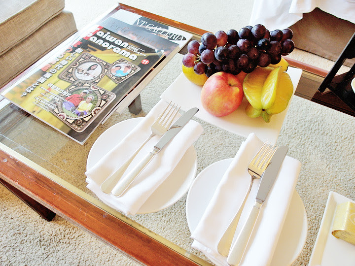 regent taipei hotel room table with fruits