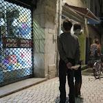 Lons-le-Saunier | Des vitrines de magasins éclairées la nuit, malgré les interdictions à Lons-le-Saunier