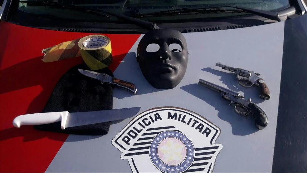 Quadrilha é presa tentando roubar casa em Bragança Paulista (Foto: Divulgação/Polícia Militar)