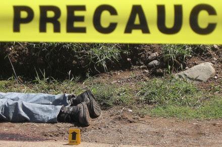La escena de un asesinato el jueves por la mañana en Oaxaca. Foto: Taurino López