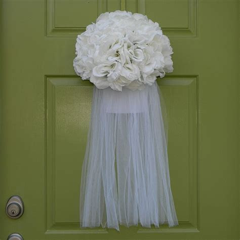 Best 25  Bridal shower wreaths ideas on Pinterest
