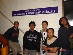 Bersama Cha'e & Huzaifah kat Monash University's Hostel