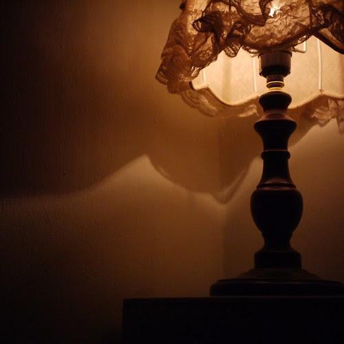 夜半孤燈 by Paladin R. Liu