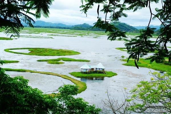 perierga.gr - Loktak Lake: H σπάνια λίμνη με τα πλωτά νησιά!
