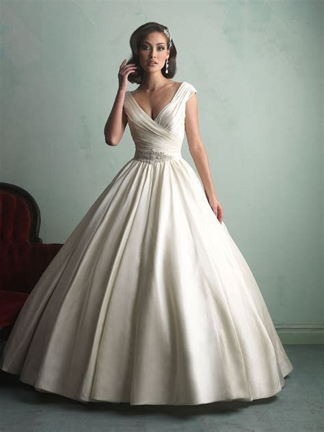The 25 Most Popular Wedding Gowns of 2014   BridalGuide