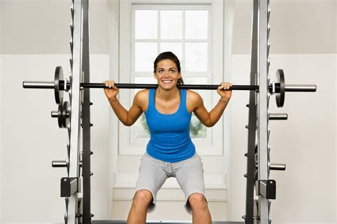 reasons females  lift weights weight lifting