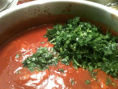 Red sauce for stuffed vegetable
