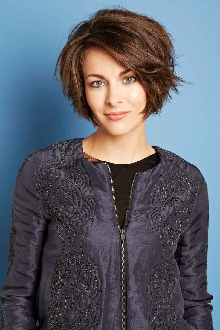 Cute A Line Bob Short Hairstyles for Heart Shaped Face