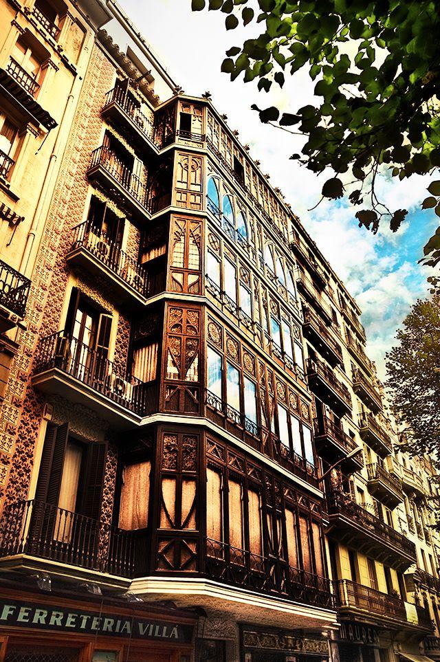 Casa Dolors Calm by Josep Vilaseca i Casanovas, Rambla Catalunya 54, Barcelona, Spain [enlarge]