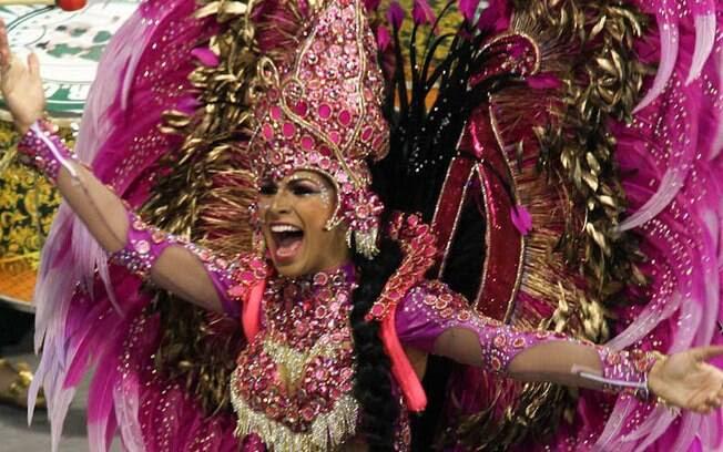 Aline Oliveira, rainha de bateria da Mocidade Alegre. Foto: Orlando Oliveira/AgNews