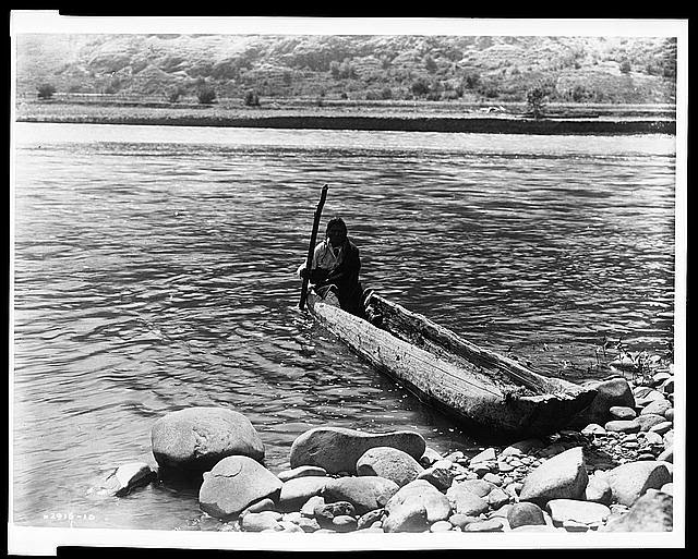 Nez Percé canoe