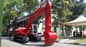 Excavator Pertama Karya Anak Bangsa: Pindad Excava 200 oleh - mitsubishikomatsu.live