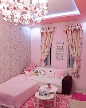 Wallpaper Kamar Tidur Pink Putih