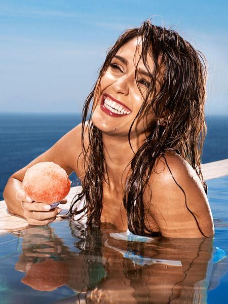 EW nos muestra Jessica Alba en bikini