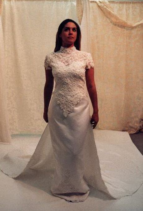 Wedding gowns for short women