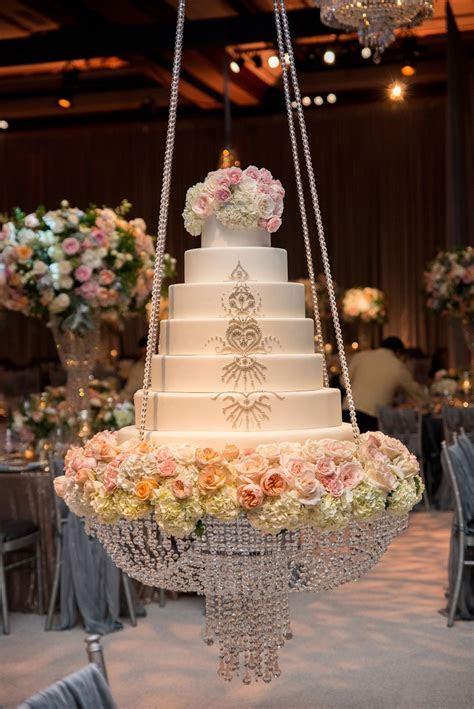 Cakes & Desserts Photos   Sparkling Wedding Cake on Swing