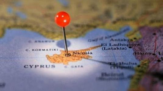 Χαρές στο κατεχόμενα, ο Βενιζέλος κάνει ένα βήμα πίσω για το διαπραγματευτή
